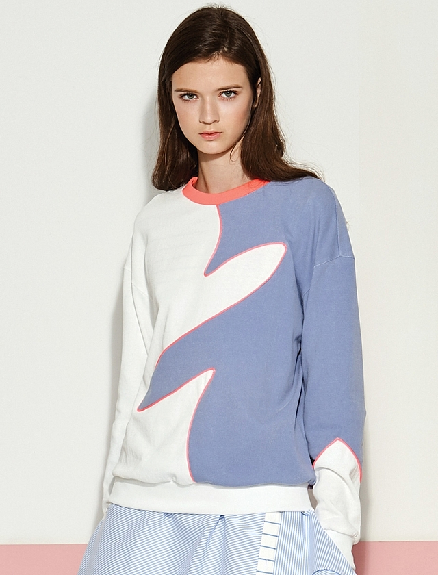 Blue and white graphic sweatshirt